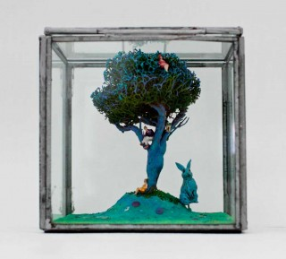 Brigitte Szenczi - El país de la liebre azul - 11,5 x 11,5 x 11,5 cm, Escultura 2014