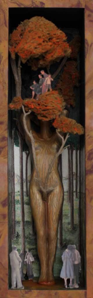 Szenczi y Mañas - La mujer secuoya - Caja de madera, escultura en resina y materiales diversos - 2015